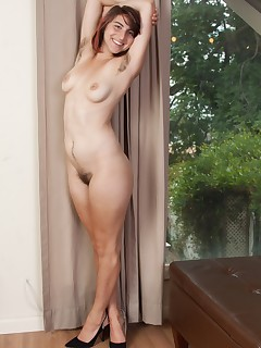 Hairy Nude Pics